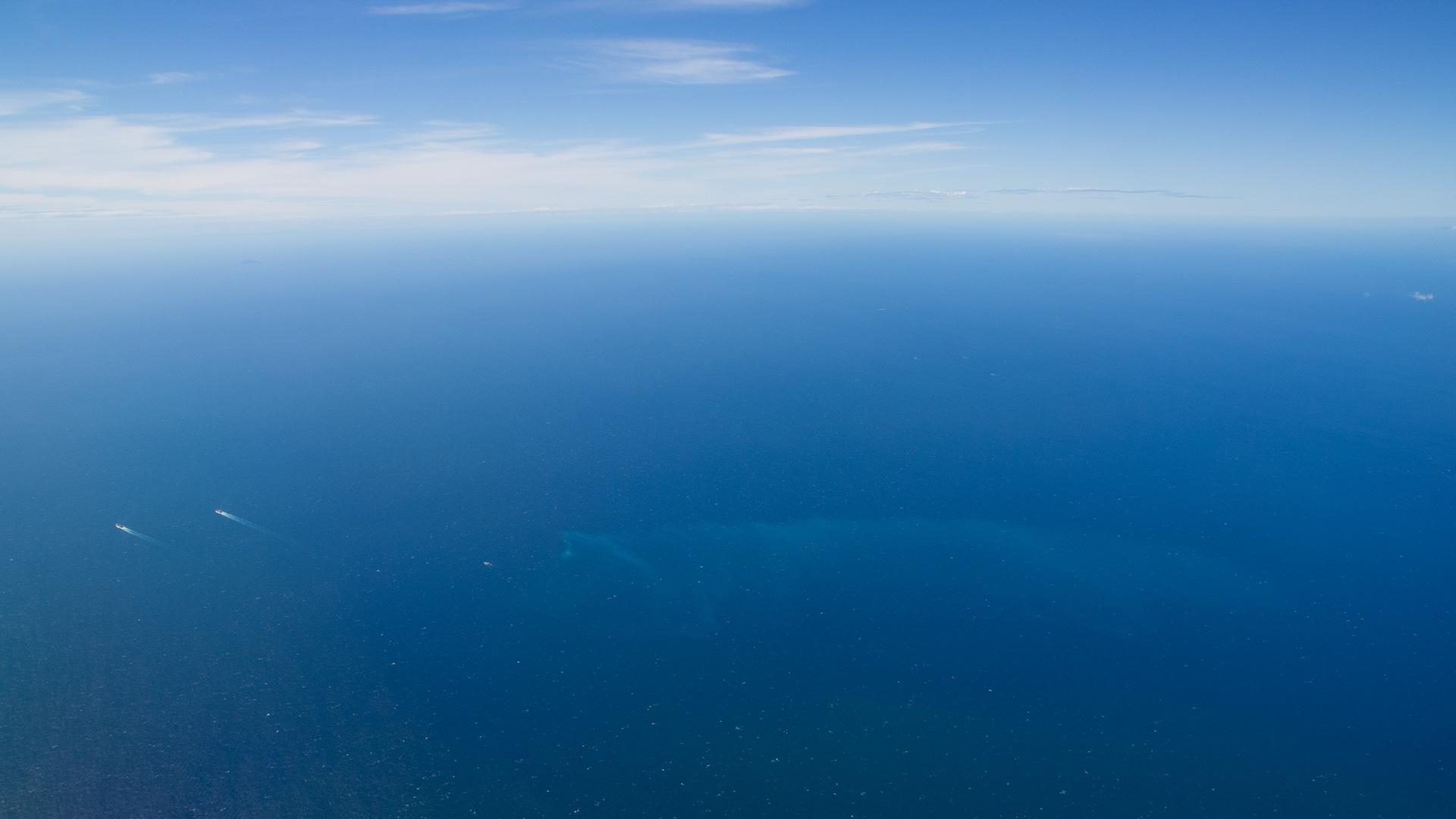 青い空と青い海のデスクトップ壁紙 ワイド画面 1920 1080